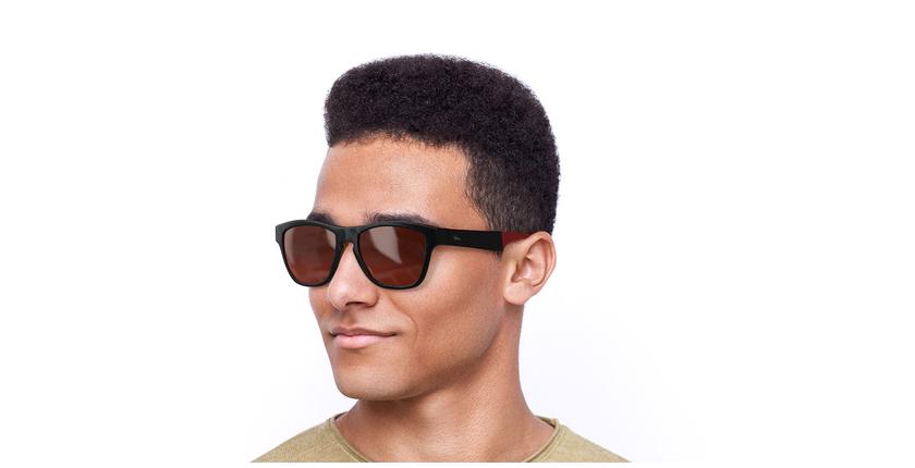 Óculos de sol homem GEANT POLARIZED BK preto/vermelho - vue de 3/4