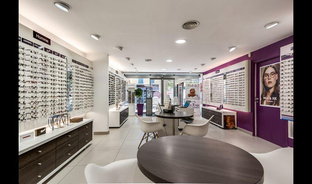 Opticien afflelou salon de provence 7 cours carnot 13300 for Cours anglais salon de provence