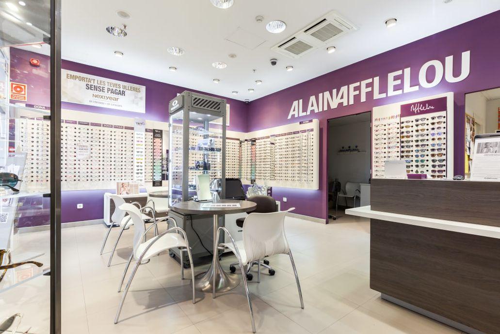 a8eec2be7a Pide cita en tu óptica para una revisión visual premium o para descubrir  nuestras gafas. ¡No esperes más!