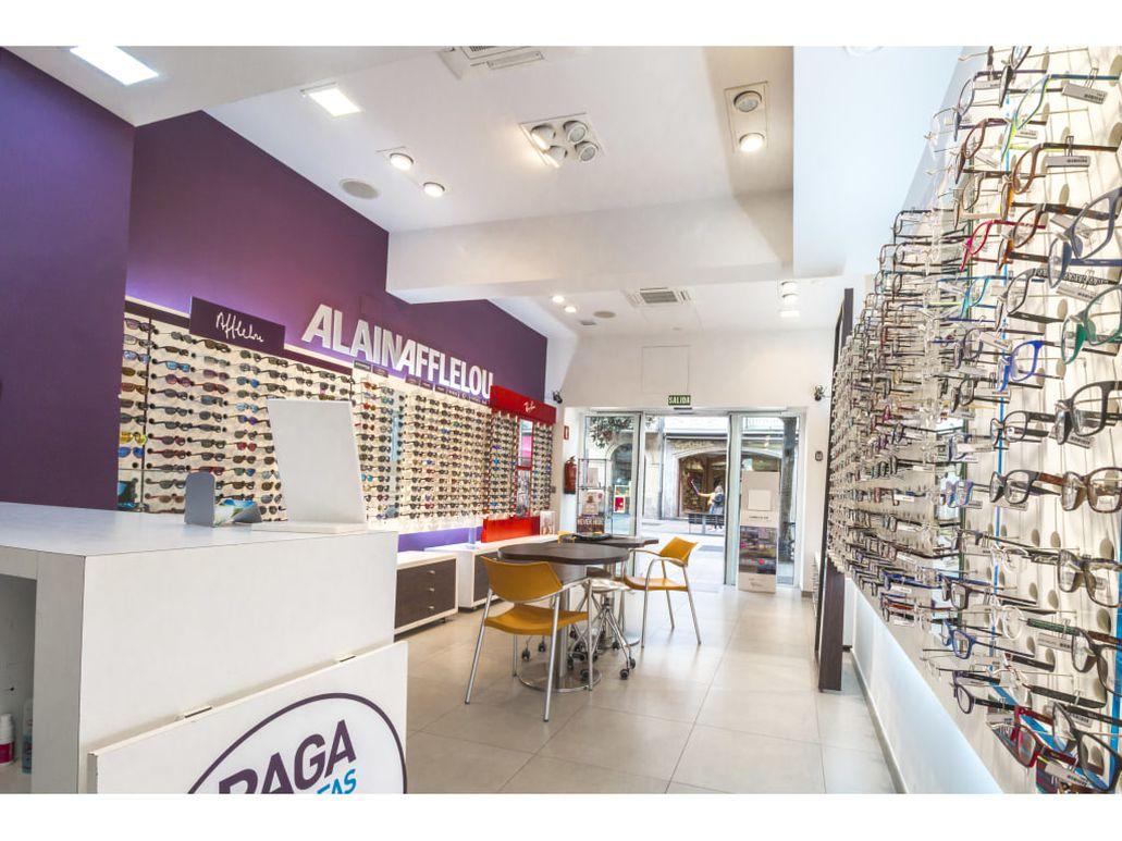 Pide cita en tu óptica para una revisión visual premium o para descubrir  nuestras gafas. ¡No esperes más! 205bdf2e08